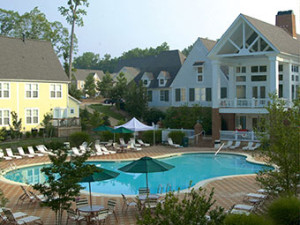 Outdoor pool at King's Creek Plantation.
