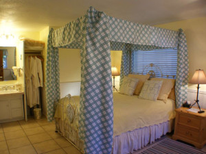 Guest room at Catalina Island Seacrest Inn.