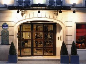 Exterior view of Hotel Royal Saint-Honoré.