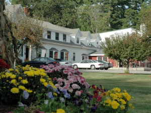 Inn exterior at The New England Inn & Lodge.