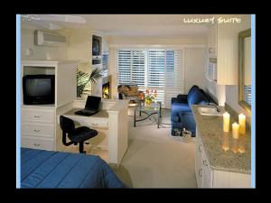 Guest room at Sea View Inn at the Beach.