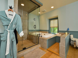 Spa bath at Bar Harbor Inn & Spa.
