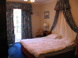 Guest room at Sibbet House.
