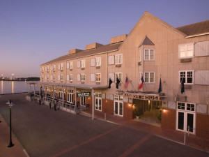 Exterior View of Harbor House Hotel & Marina at Pier 21