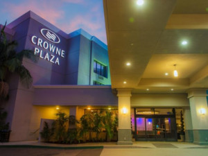 Exterior View of Crowne Plaza Costa Mesa OC