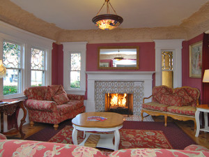 Sitting room at Rose Garden Inn.