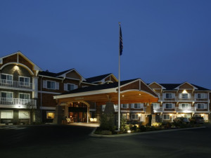 Exterior view of Holiday Inn Express Hotel & Suites - Coeur D'Alene.