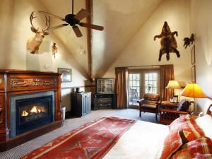 Guest room at Big Cedar Lodge.