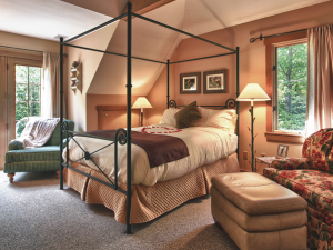 Guest room at Glenlaurel Inn.