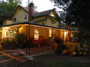 Exterior view of Sonoma Orchid Inn.