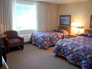 Double suite at The Shoreline Inn.