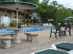 Exterior With Pool at Summerset Inn Resort