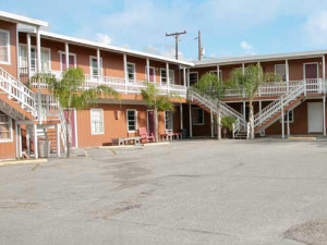 Exterior View of Magic Suntan Motel