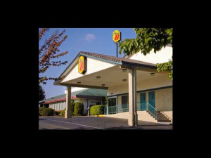 Exterior view of Super 8 Motel - Bremerton.