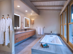 Guest bathroom at Travaasa Hana.