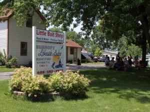 Welcome to Burhops Lakeside Lodge