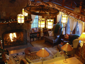 Lodge lounge at Rocky Mountain Lodge & Cabins.