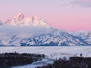 Beautiful Grand Tetons at Parkway Inn