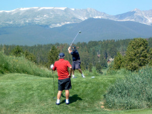 Playing golf near Summit Vacations.