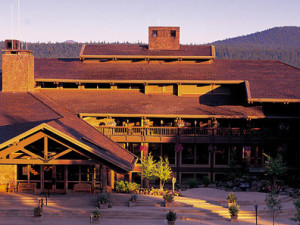 Exterior Mountain View at Sunriver Resort