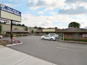 Exterior view of Salmon Creek Motel.