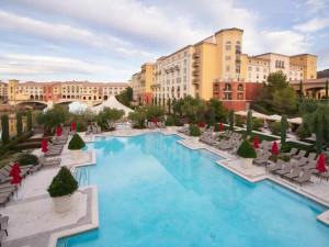 Outdoor pool at Hilton Lake Las Vegas Resort & Spa.