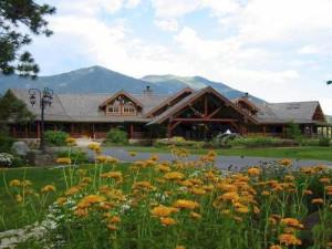 Exterior view of Glacier Mountain Lodge.