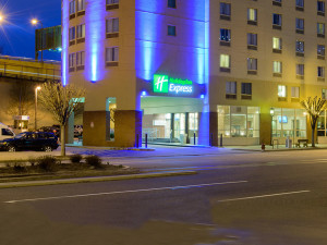 Exterior View of Holiday Inn Express Philadelphia E - Penns Landing