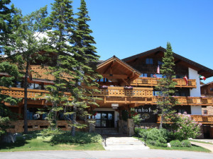 Exterior view of Alpenhof Lodge.