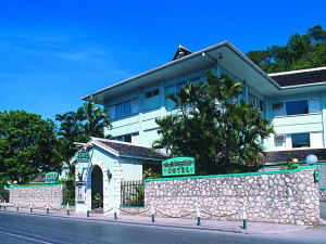Exterior view of Doctors Cave Beach Hotel.
