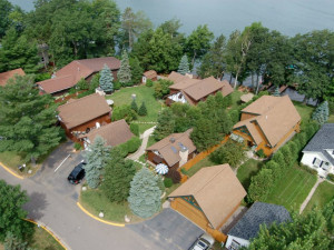 Aerial view of Sill's Lakeshore Resort.