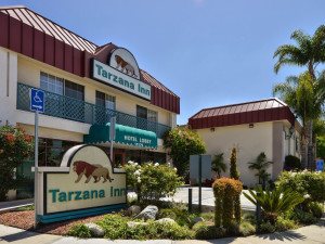 Exterior view of Tarzana Inn.