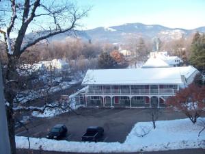 Exterior view of Oxen Yoke Inn.
