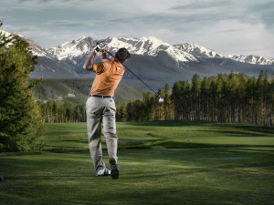 Playing golf at The Osprey at Beaver Creek, A Rock Resort.