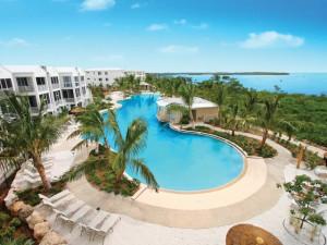 Exterior view of Mariner's Club Resort.