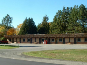 Exterior view of Marjo Motel.