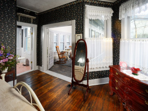 Interior of Suite Alice Cottage at the Lookout Cottage Estate.