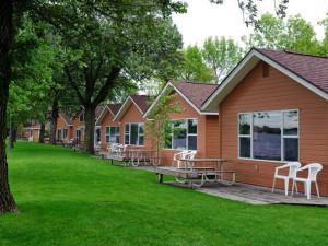 Cabins at Dickerson's Lake Florida Resort.
