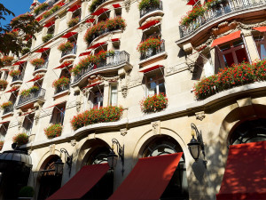 Exterior view of Hotel Plaza Athénée.