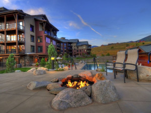 Fire pit at Trailhead Lodge.