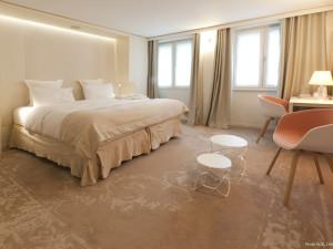 Guest room at Hôtel des Tuileries.
