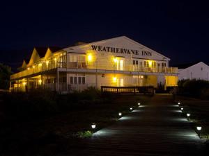 Boardwalk at Weathervane Inn.