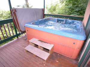 Outdoor hot tub at Chalet Village.