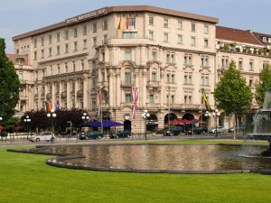 Exterior view of Hotel Nassauer Hof.