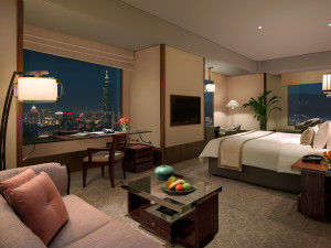 Guest room at Shangri-La's Far Eastern Plaza Hotel.