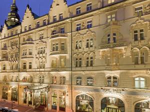 Exterior view of Hotel Pariz.