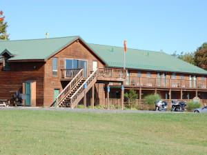 Exterior view of Windwood Fly-In Resort.
