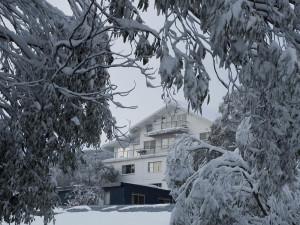 Exterior view of Attunga Alpine Lodge.