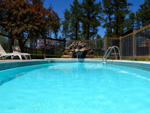 Outdoor pool at Silver Mountain Resort and Cabins.