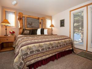 Guest bedroom at Rams Horn Village Resort.